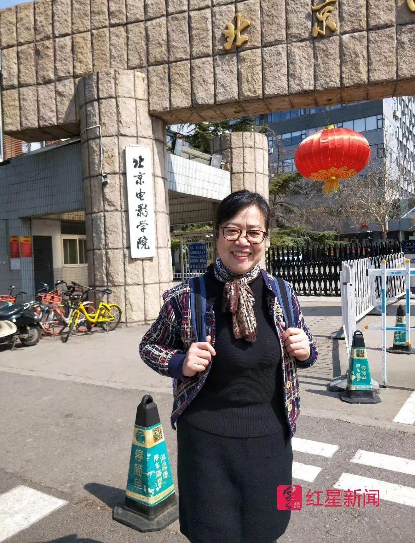 67岁北影最大学生:同龄人去跳广场舞,她跑龙套拍戏玩