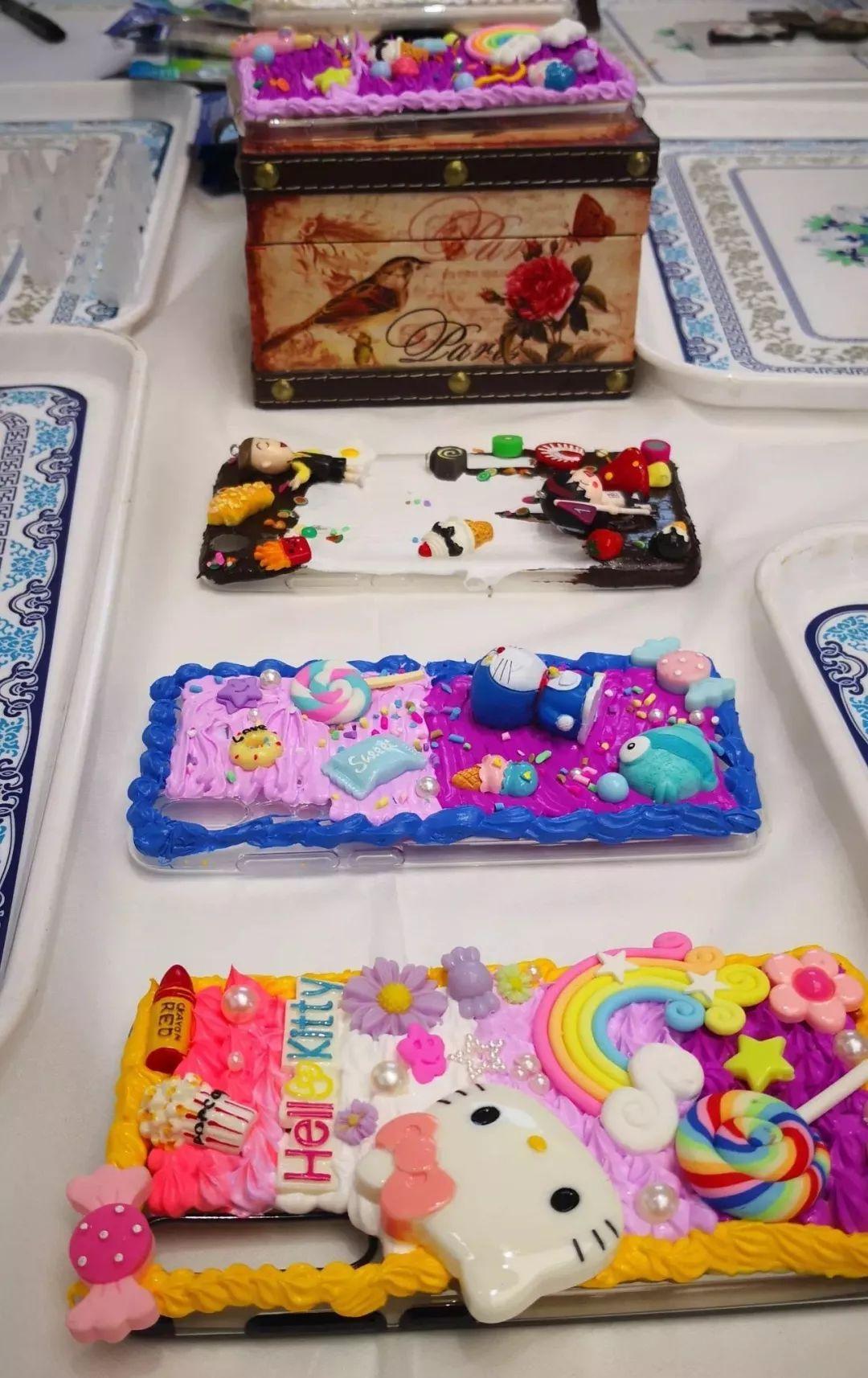 diy手机壳制作,个性印章,爱的纪念画册,vr挑战赛等多种趣味活动,各样