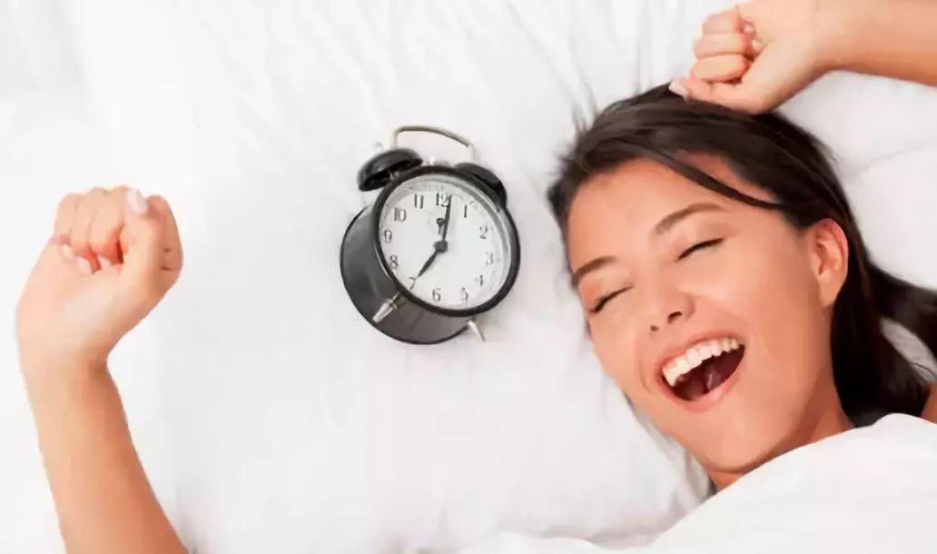 硬床好还是软床好?睡不对小心腰痛找上你!