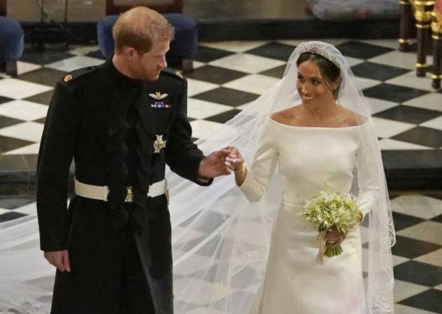 哈里王子的婚礼上,处处可见纪念戴安娜的细节,那是伤感的回忆!
