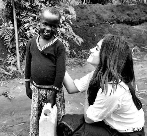 一直特别关心非洲儿童的成长与命 在成为王妃之