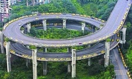 作为老司机的你,有信心战胜网红重庆的道路吗? - 周磊 - 周磊