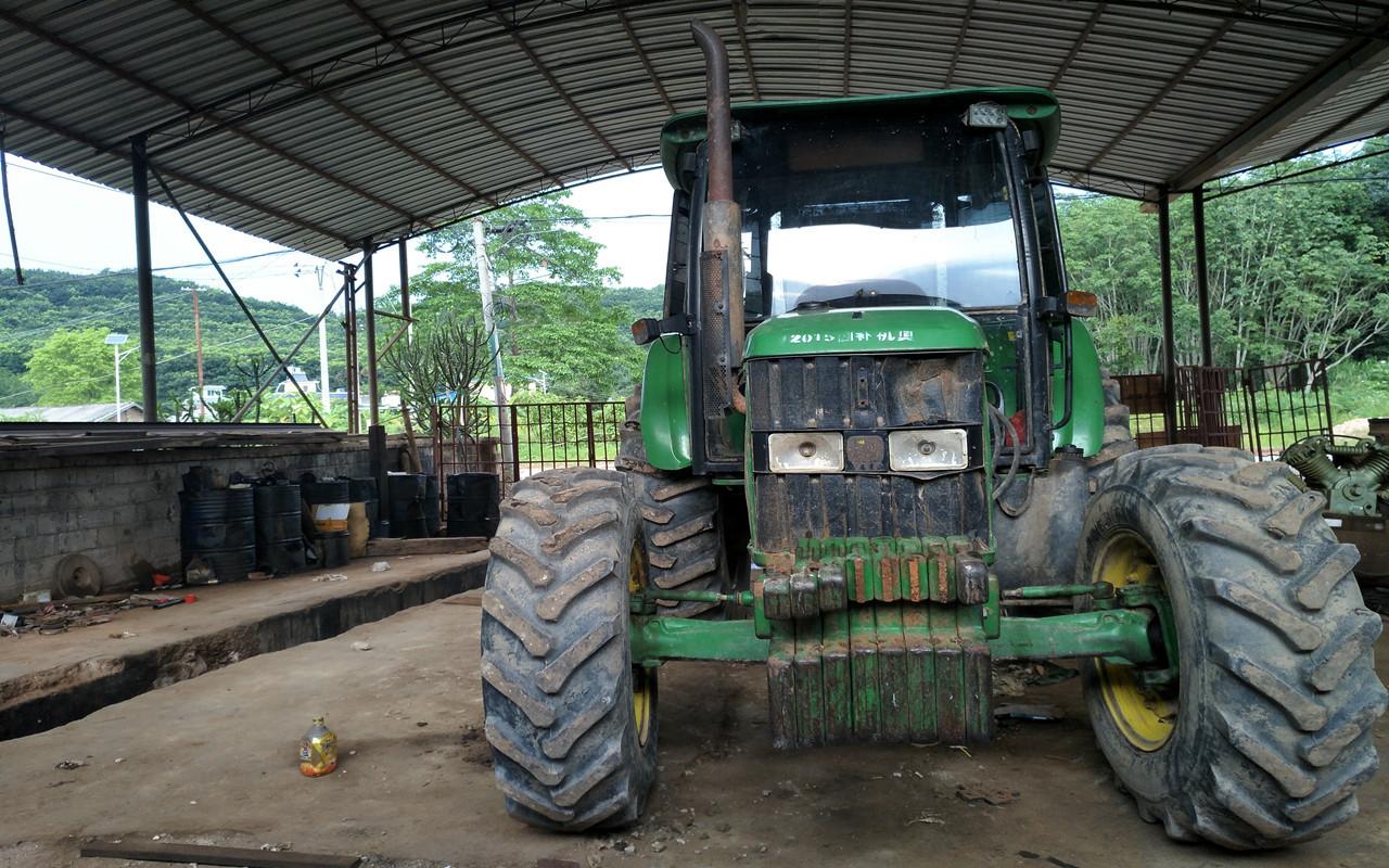 2015年的约翰迪尔904拖拉机,耕作时间1200小时,干了不图片
