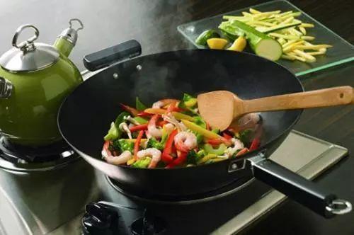 煮饭做菜用冷水还是热水?