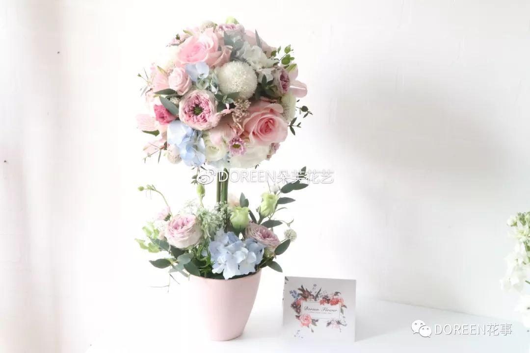 day4、韩式手捧花、襟花、mini花束、韩式心形花束设计   day5、开业花篮设计、矮桌花设计   day6、婚礼花门设计、婚礼宴会长桌花设计   花束是所有花礼中最重要的,花束的形态、空间、花束的成型也是很多学生觉得最难的   所以我们需要一整天的时