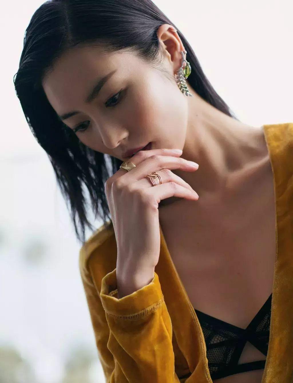周韦彤 预祝2018新丝路模特大赛圆满成功