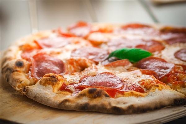 全球首例比特币交易 美国男子曾用1万个比特币买2个披萨