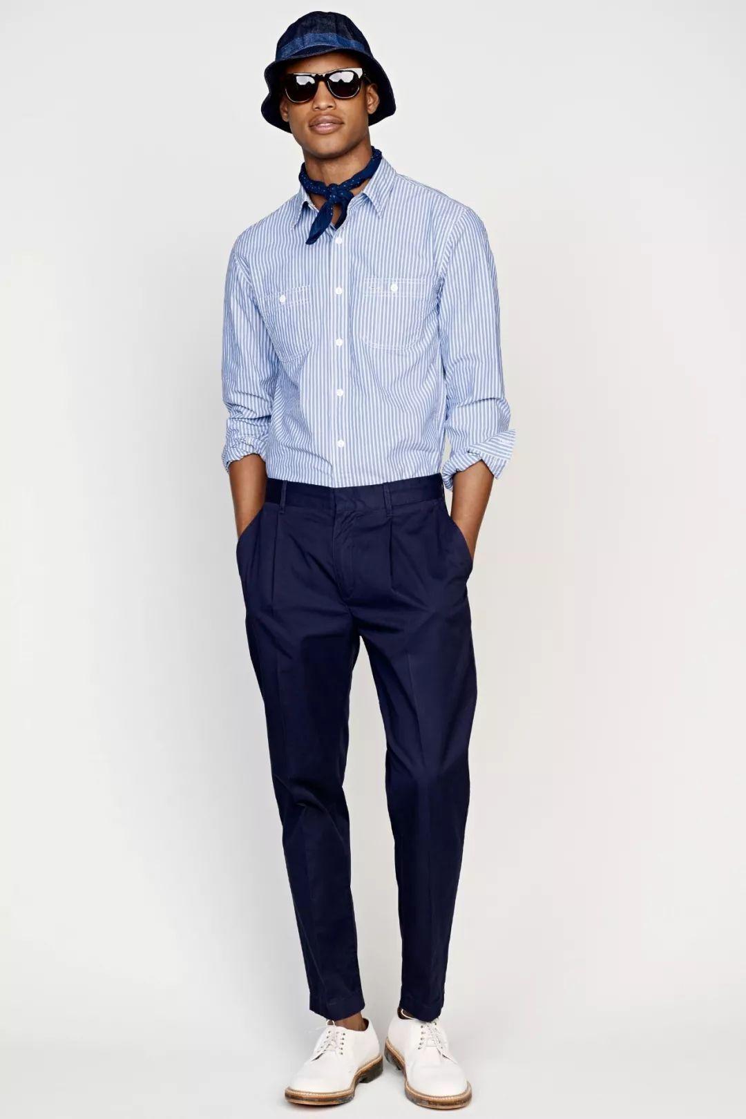 拒绝油腻男,一件蓝条纹衬衫就够了