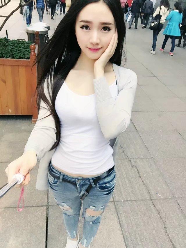 一個收集超級美女照片的美女qq號圖片