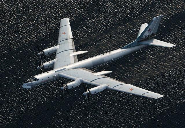 航程2万公里,可载20吨核弹,中国至今造不出,但专家却说赚了