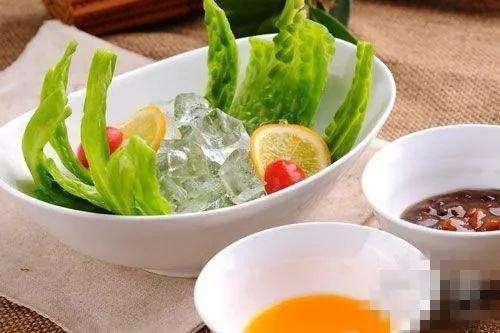 鱼香肉丝剁椒鱼头韭菜炒鱿鱼冰镇梅汁苦瓜做法