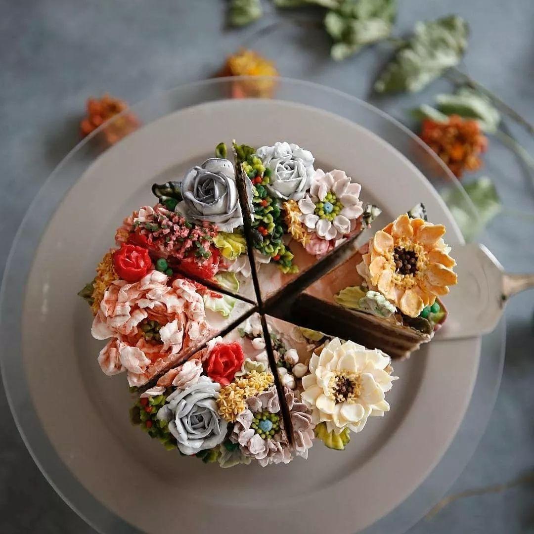 風靡ins的4層粉色奶油花朵裸蛋糕,光看圖片就超享受!