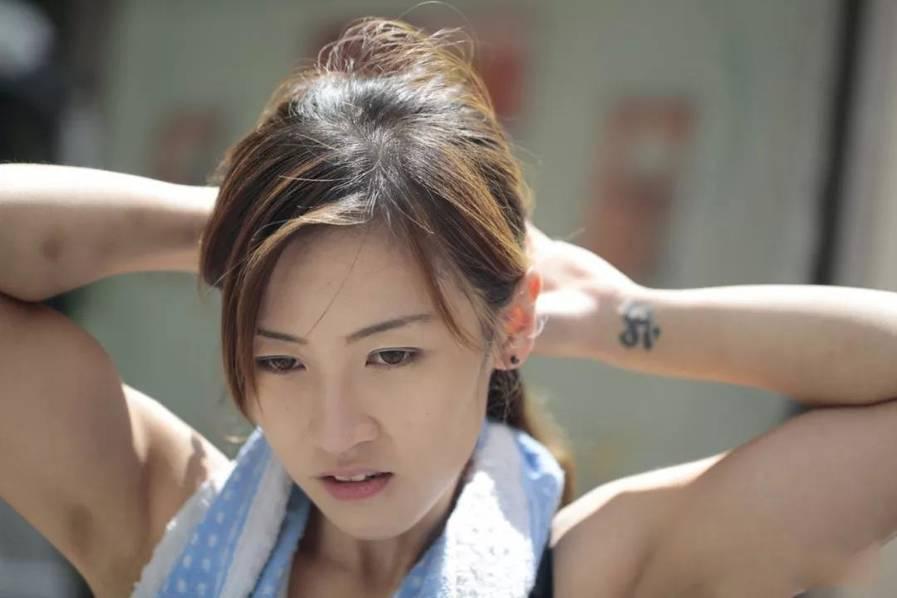 """香港最""""性感""""女搬运工朱芊佩 热搜事件 图3"""