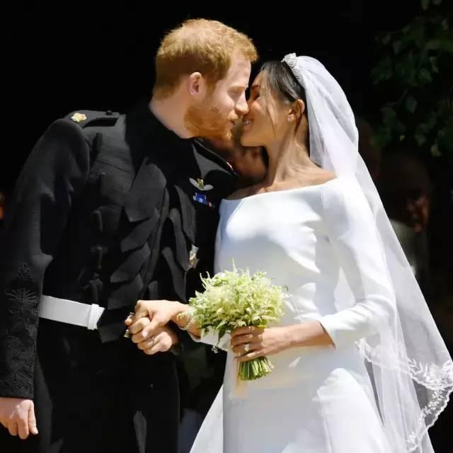 哈里结婚了,这对秀发在线的王室小鲜肉兄弟,了解下啊?