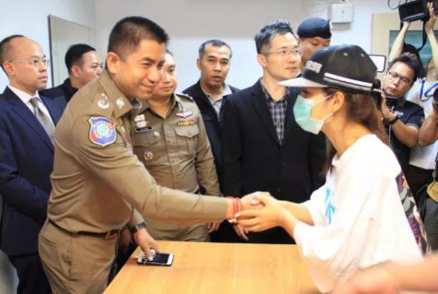 中国女游客在泰国遭绑架,移民局官员涉案!在泰国机场要小心这些坑