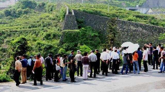 浙江有座坟不留碑文,千年来无人敢动!专家推测墓主是个皇帝