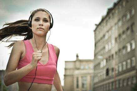 跑步时听音乐只有激励作用?还能增加你的耐力