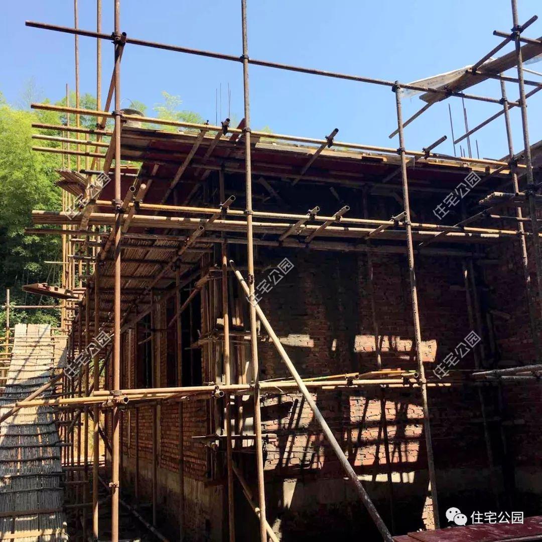 檐口,窗套,腰线,每一个细节都完美还原图纸,建出来的房子自然漂亮.