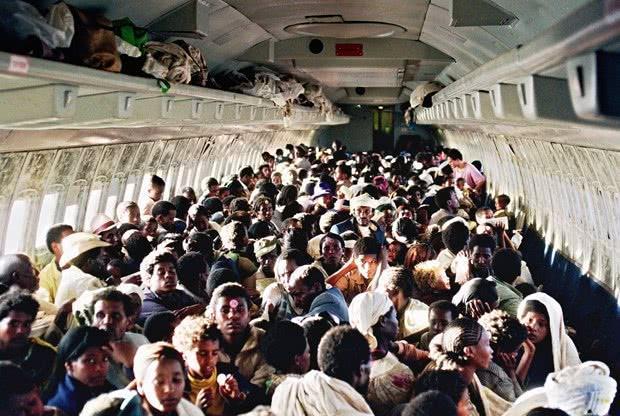 也只有以色列人敢干,一架客机运1122名非洲裔犹太人回国