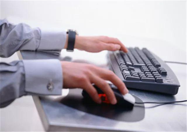 台式电脑怎么能用键盘来代替鼠标?