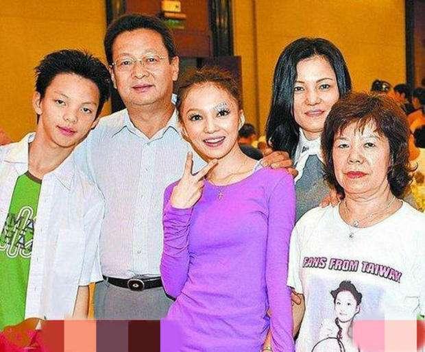 张韶涵遭父亲控诉不赡养 事业稍有气色却屡遭家人重创