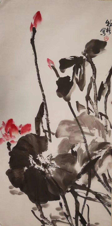 青年女画家牧格大写意荷花欣赏图片