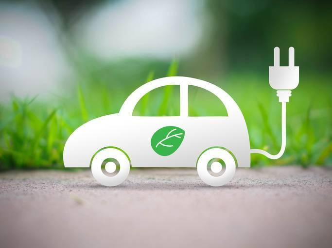 """法国政府与车企签署""""战略协议"""" 推进电动汽车发展"""