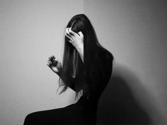 日本露穴大但人体艺术_日本女摄影师镜头下的佛系摄影,清心寡欲的少女人体优雅