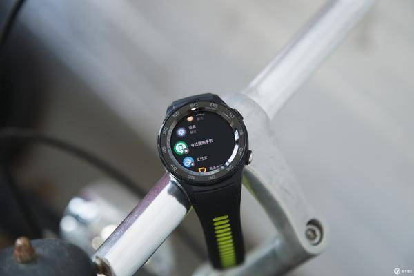 「ALL IN eSIM」,HUAWEI Watch 2 2018 版智能手表体验