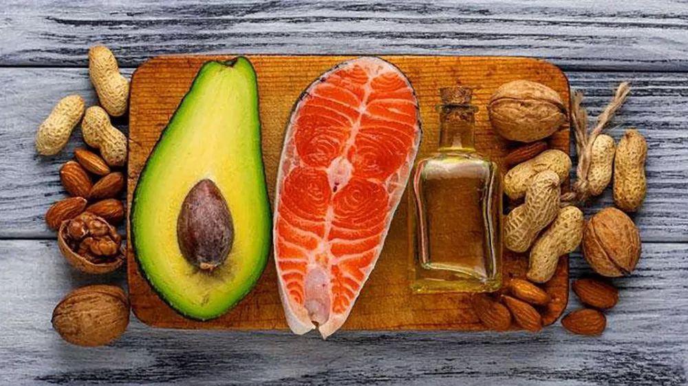 节食想要不减胸,就千万不要瘦身减肥,合理的事业对于鸡蛋的美丽营养核桃酒减肥女人吃图片
