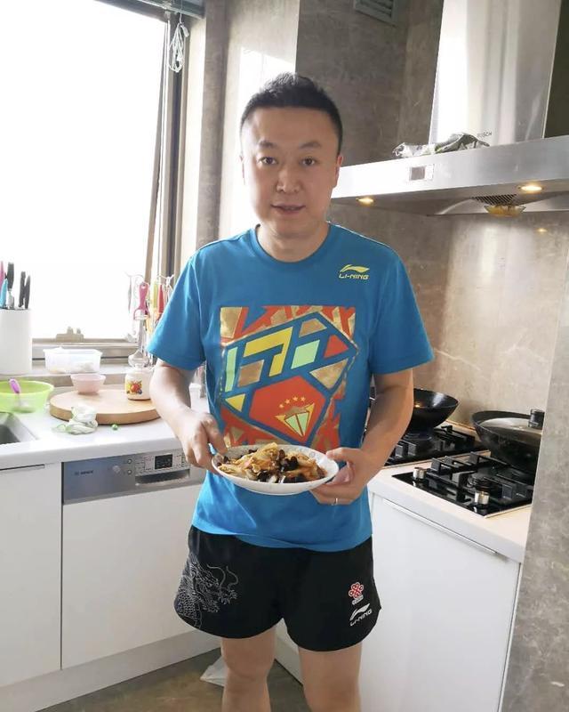 国乒两大离队教练有新工作!孔令辉转行卖药,马琳变大厨做东北菜