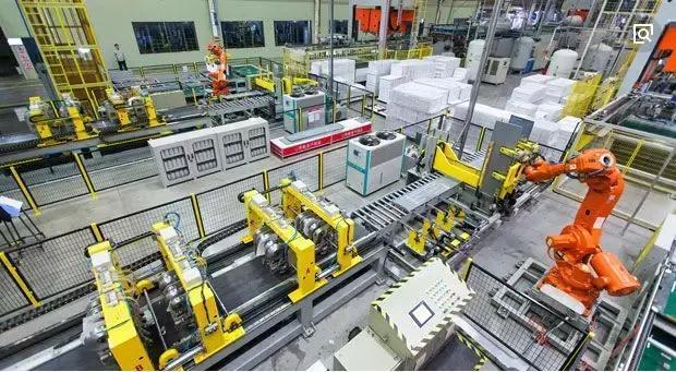 中国制造业应尽早布局智能经济战略