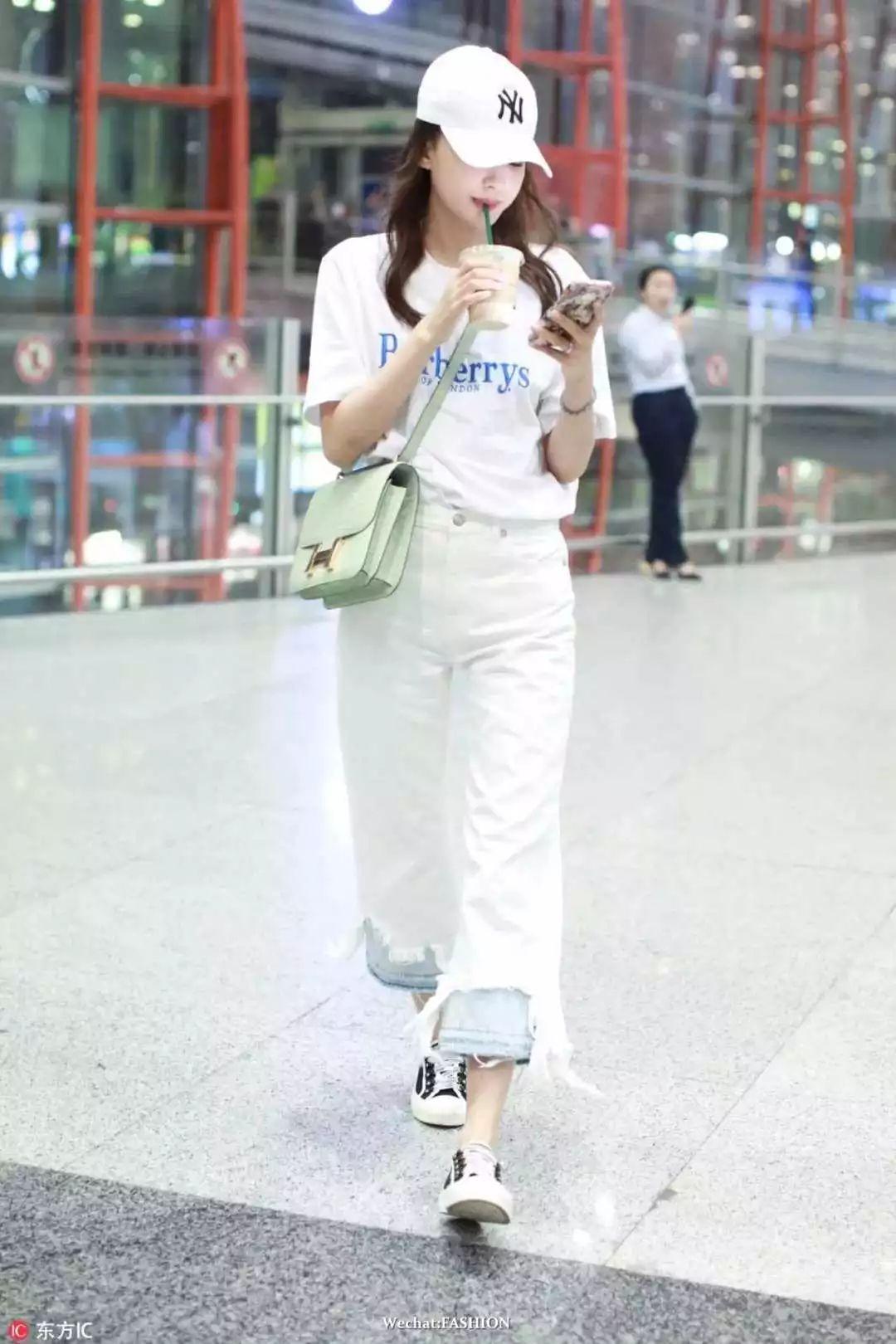 单品 | 人手N件的sloganT恤 怎么穿时髦?