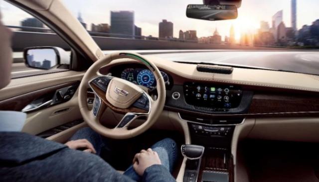 """自动驾驶路还长 但这款车""""黑科技""""可以解放双手"""
