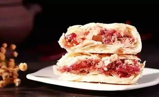 玫瑰鲜花饼是云南人最拿手的点心.