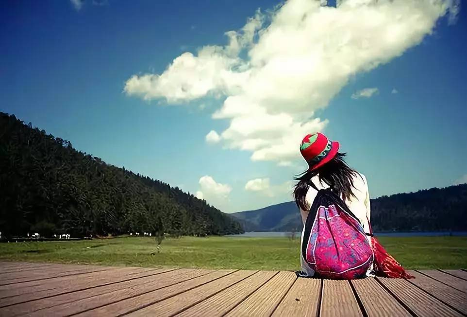 一个人背包旅行_一个背包,一部相机,一场说走就走的旅行,享受一个人独处的时光.