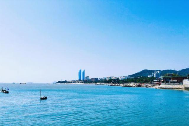 比三亚物价低,比青岛风景好!这个有海鲜和沙滩的海岛美出天际!