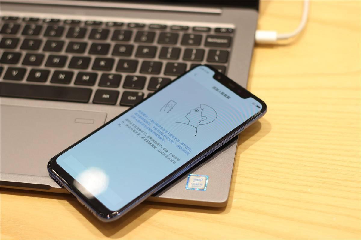 小米8透明探索版,给你带来国产中式iPhone X_搜狐科技_搜狐网