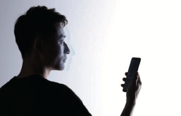 小米 8「透明探索版」亮相:3D 人脸识别 + 压感屏