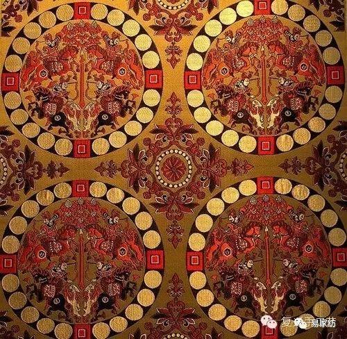 日本奈良法隆寺藏唐代联珠狩猎纹锦 现代蜀锦的品种有月华三闪锦,雨丝图片