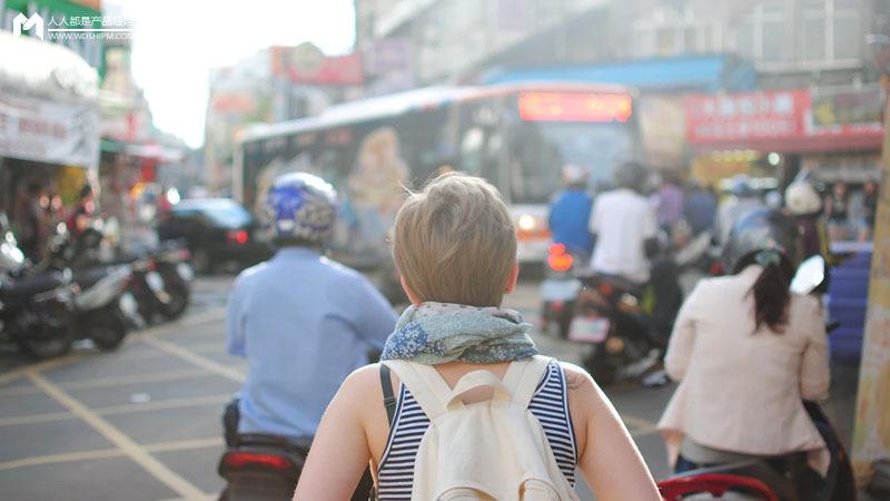 把导游挂在耳朵上:人工智能在旅游场景中的应用