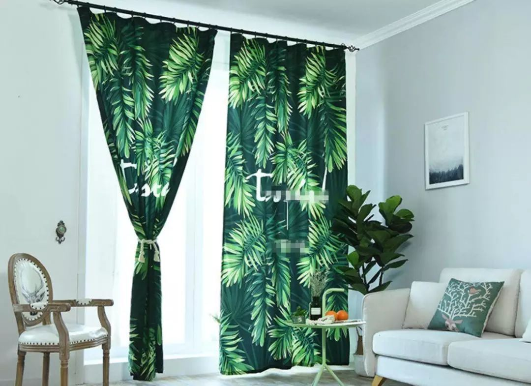 宅在森林仙气窗帘、绿色摇椅、大理石小茶几、清凉系编制沙发巾等等