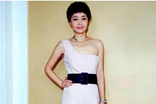 1976年出生于上海市虹口区,祖籍江苏省南通市如东县,中国大陆女演员.