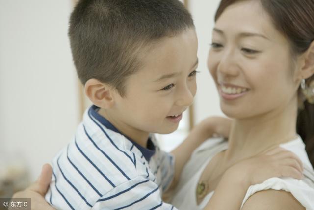 一切都给儿子最好,算命的却说这样毁了他,儿子长大竟责父母无能