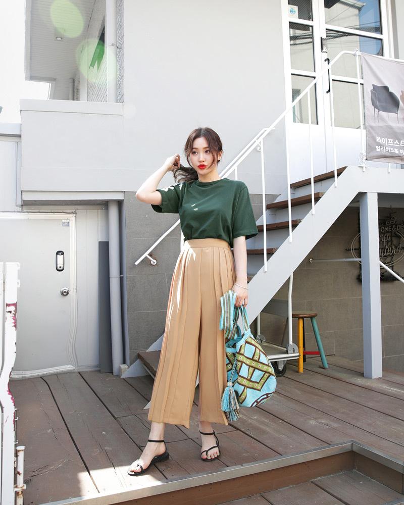 矮个子女生夏季穿衣搭配 高腰阔腿裤让你轻松拥有大长腿51 作者:千叶老师 帖子ID:2560
