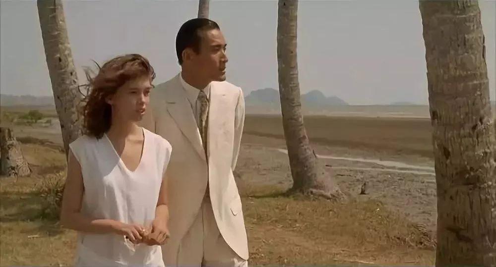 爱上情人网官网_电影版《情人》——爱上梁家辉的法国少女