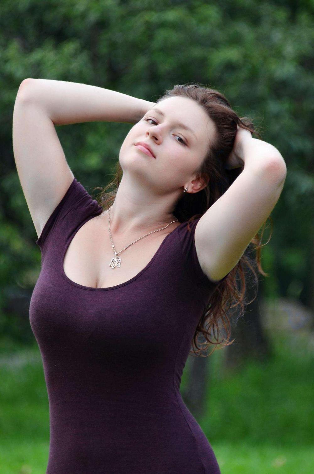 真美女下身裸体_又一个中国小伙迎娶白俄罗斯美女,走上人生巅峰