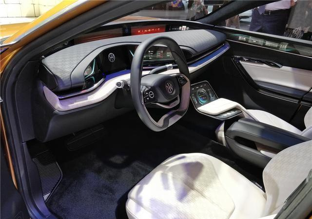 国产跑车造出来了外形帅气不输玛莎拉蒂车标最具中国味骄傲_腾讯