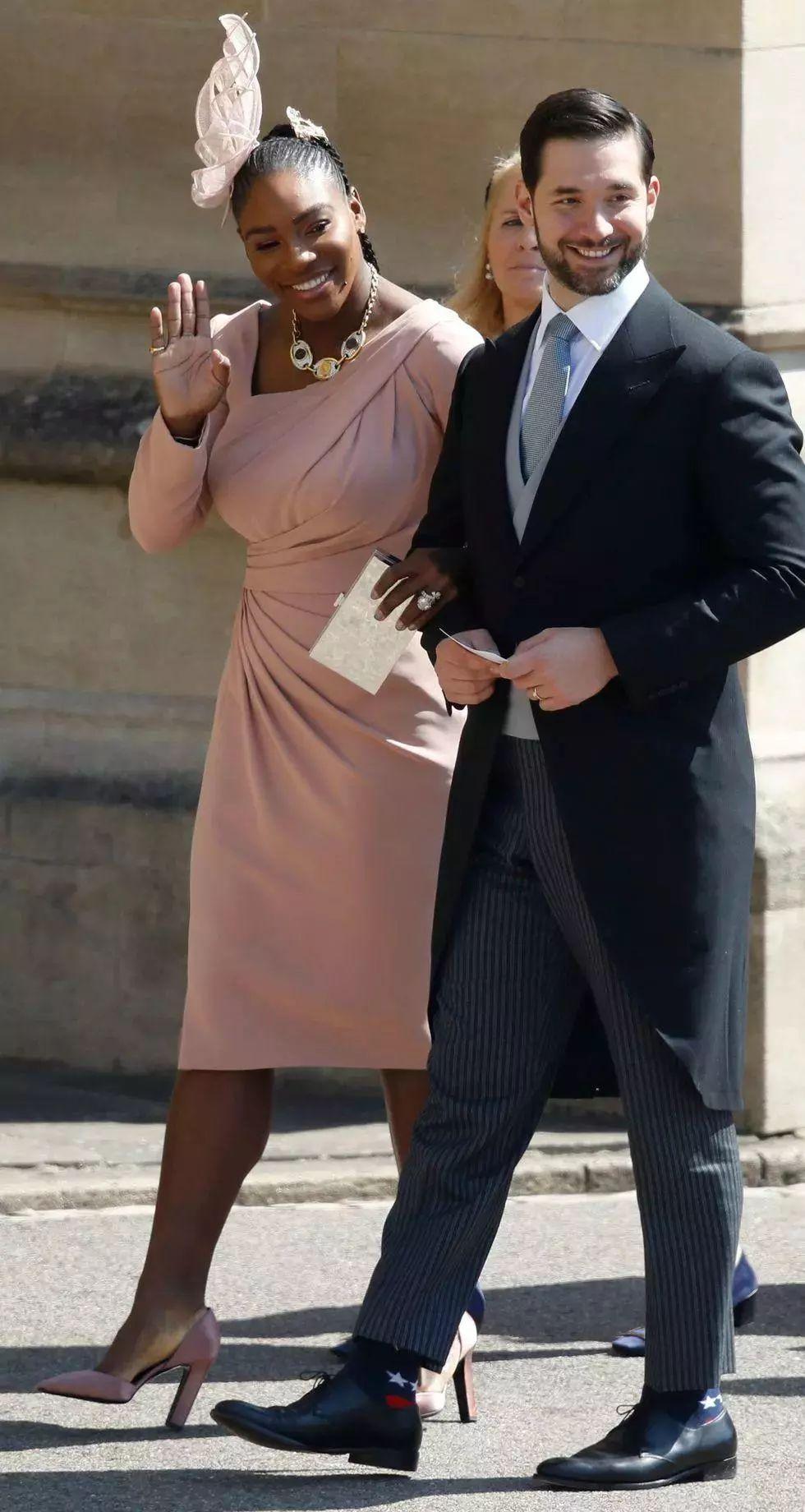 本是全球瞩目的王室婚礼,这些嘉宾却自顾自美上了天