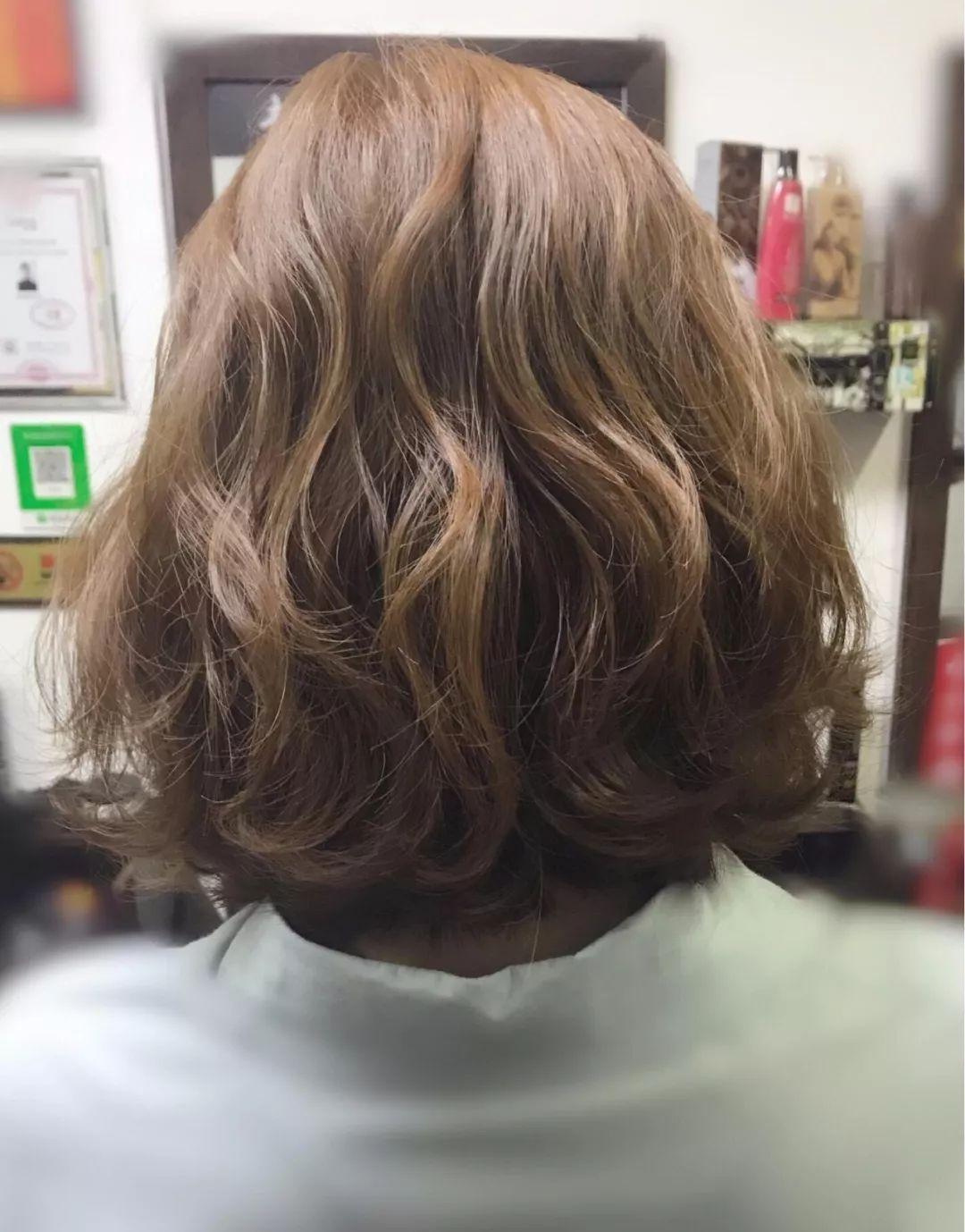 2018流行的短发发型图片女大全